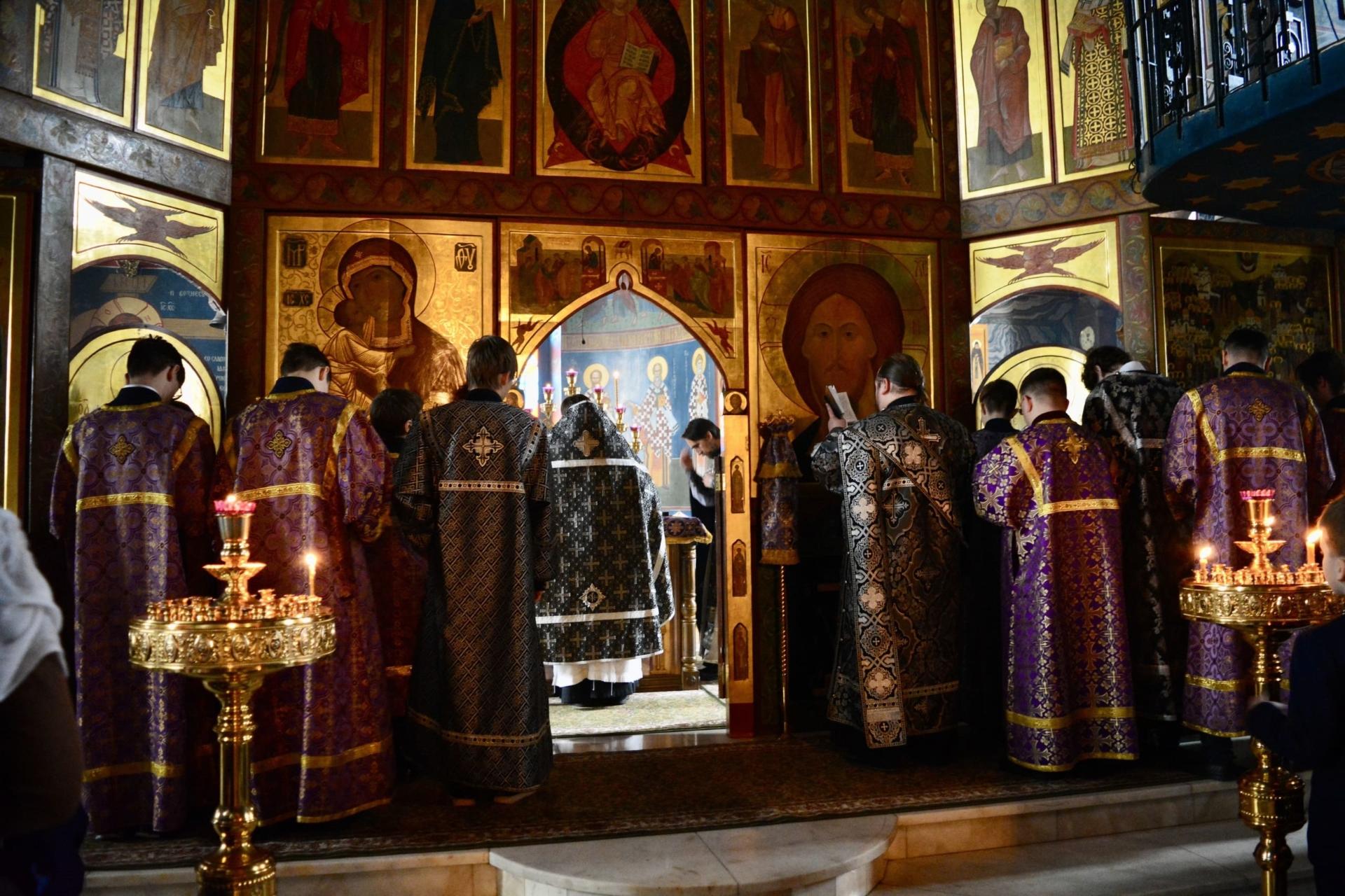 Состоялась гимназическая литургия Преждеосвященных Даров